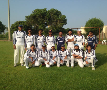 Team Photo before Finals of Manipal Cricket Tournament (Nov, 24, 2016)